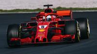 Sebastian Vettel si jako první pilot letos připisuje třetí triumf