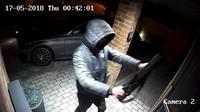 Ke krádeži moderních automobilů stačí vybaveným a zkušeným zlodějům jen několik desítek sekund