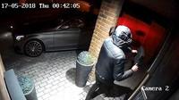 Ke krádeži nového Mercedesu stačilo zlodějům pouhých 28 sekund