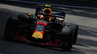 Max Verstappen v tréninku v Monaku