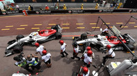 Charles Leclerc a Marcus Ericsson v tréninku v Monaku