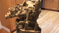 Neuvěřitelně přesná replika motoru BMW M10 byla vyrobena kompletně z kartonu