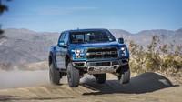 Konečně pohodlné létání za volantem? Ford upravil Raptor pro ještě šílenější výkony - anotační foto