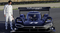 Volkswagen I.D. R a jeho pilot Romain Dumas