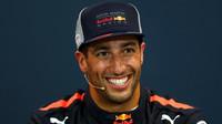 Daniel Ricciardo po úspěšném víkendu v Monaku, kde byl nejrychlejší ve všech trénincích, ve všech částech kvalifikace i v závodě