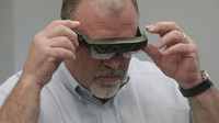 Technici Porsche začínají během své práce využívat systém rozšířené reality