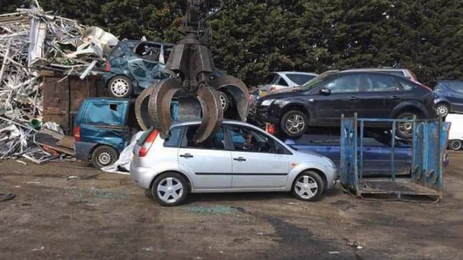 Odcizená Fiesta nakonec skončila na vrakovišti