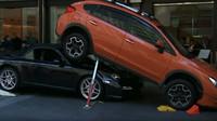 Před luxusním hotelem v Sydney došlo k velmi kuriózní nehodě