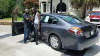 J'Mmar Coleman dostal za svou nezištnou pomoc zraněnému umělci nový automobil