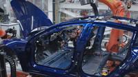 Odborníci připravili zprávu, jak vylepšit Teslu Model 3. Celkem našli 227 možností - anotační foto