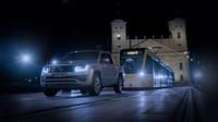 Volkswagen Amarok vs. tramvaj