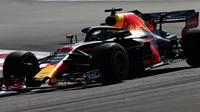Ricciardo v 1. tréninku o 4 tisíciny před Hamiltonem, v neděli ale odstartuje jako poslední - anotační foto