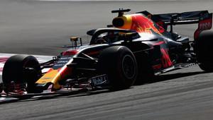 Ricciardo v 1. tréninku o 4 tisíciny před Hamiltonem, v neděli ale odstartuje jako poslední - anotační obrázek