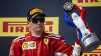 Kimi Räikkönen se podle Jacquese Villeneuva stal v Silverstone další obětí nekonzistentních komisařů