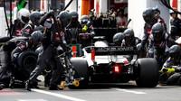 Kevin Magnussen v závodě ve Francii