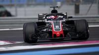 Romain Grosjean v závodě ve Francii