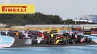 Po startu v závodě ve Francii