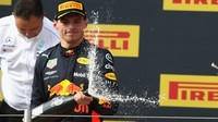 Max Verstappen na pódu po závodě ve Francii