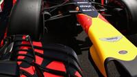 Detail vozu Red Bull před závodem ve Francii