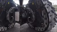 DARPA se pochlubila novou technologií RWT, která umí změnit kola na pásy během pouhých dvou sekund