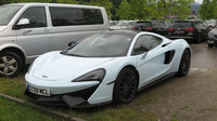 McLaren, s nímž na okruh dorazil Lando Norris