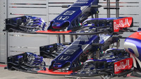 Detail předního křídla vozu Toro Rosso v Rakousku