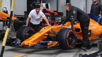 Střípky z padoku po kvalifikaci s rozborem sektorů: McLaren své problémy už chápe