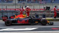 Max Verstappen s Red Bullem v 1. tréninku