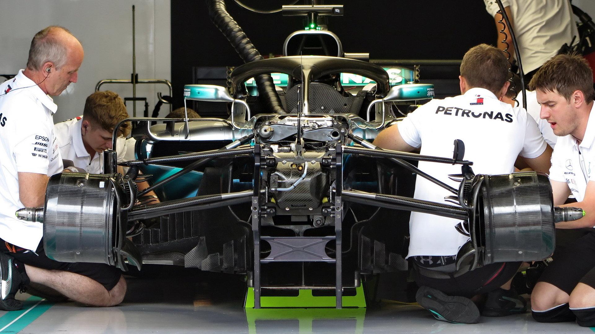 Mercedes doufá, že doma předvede skvělou show a své soupeře porazí