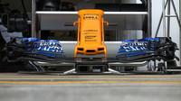 Detail předního křídla McLaren v 1.tréninku v Rakousku