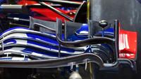 Detail předního křídla Toro Rosso v 1.tréninku v Rakousku