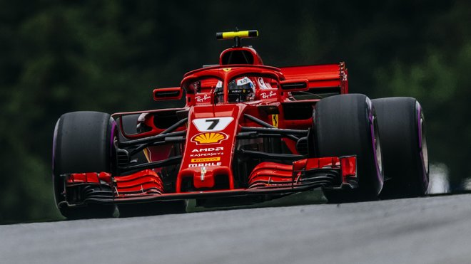 Kimi Räikkönen v kvalifikaci v Rakousku