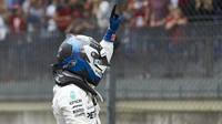 Valtteri Bottas po vítězné kvalifikaci v Rakousku