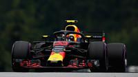 Max Verstappen s použitím DRS v kvalifikaci v Rakousku