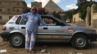 Julia Albu absolvovala ve své Toyotě Corolla přes 12 000 km dlouhou cestu z Kapského Města až do Londýna