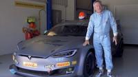 Elektrický závodní speciál Electric GT P100DL vychází ze standardní Tesly Model S