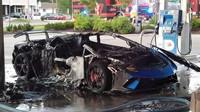 Ze zánovního Lamborghini Huracán Performante zbyla jen ohořelá kostra
