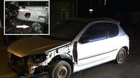 Absenci volantu a sedaček vyřešil řidič stříbrného Peugeotu 206 skutečně originálně