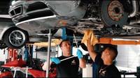 Výměna oleje na Bugatti Veyron svépomocí