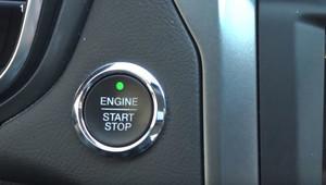 Co se stane, když za jízdy vytáhnete klíček ze zapalování nebo vypnete motor? - anotační obrázek