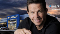 Herec Mark Wahlberg se pustil do prodeje automobilů Chevrolet
