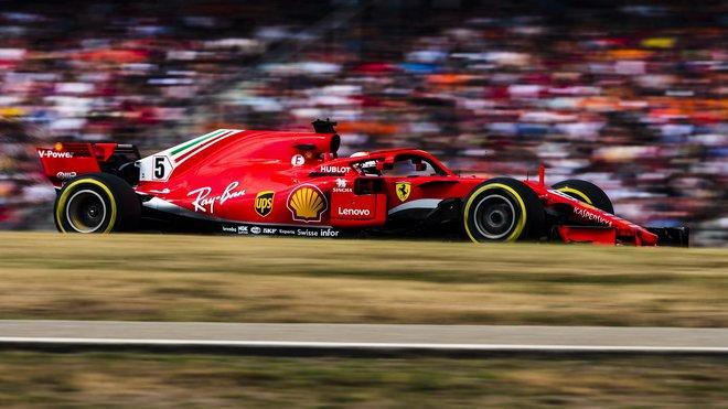 Soupeřům se náhlé výkonnostní zisky Ferrari a jeho týmů moc nezdají