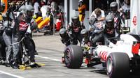 Kevin Magnussen v závodě v Německu