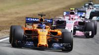 Fernando Alonso v závodě v Německu