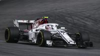 Charles Leclerc v závodě v Německu