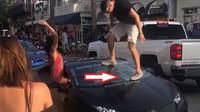 Majitel Lamborghini chtěl být za frajera, teď ho čeká pořádně drahá návštěva servisu - anotační foto