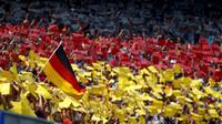 Diváci počas závodu v Německu