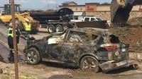 Podemletá silnice v americkém městě Sheridan slupla Toyotu Rav4 jako malinu
