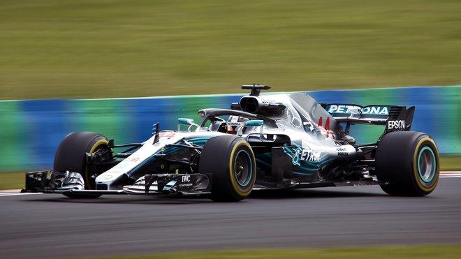 Lewis Hamilton s Mercedesem F1 W09 v Maďarsku