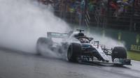 Lewis Hamilton za deštivé kvalifikace v Maďarsku